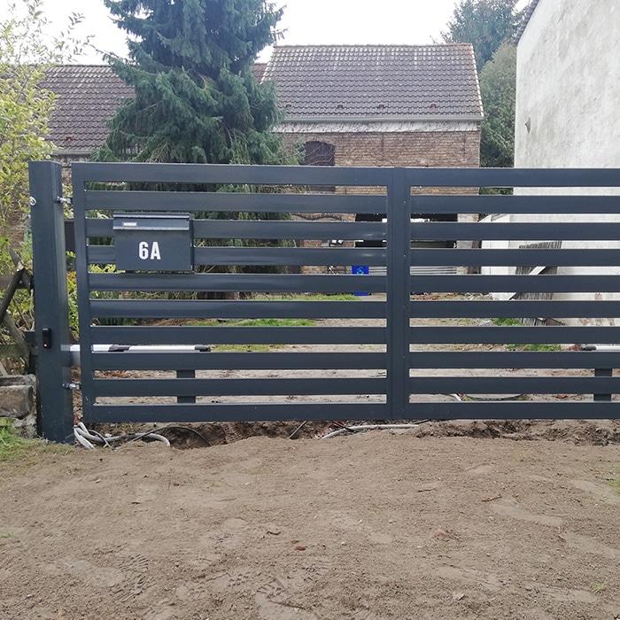 Pforte-Tore Projekte Woren-Zaun