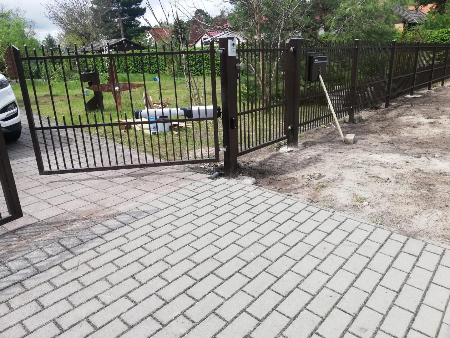 Schmiedezaune – Metallzaune_woren-zaun_177